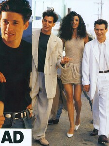 Nicks_US_Vogue_March_1991_02.thumb.jpg.b6d147eeee20686c0e384eea47b7484a.jpg