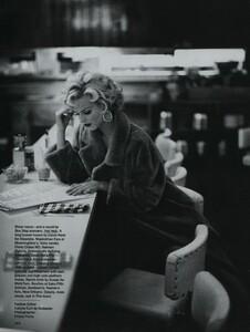 Nicks_US_Vogue_October_1992_01.thumb.jpg.7a9433f1e2b4c71001c705a1c62bdc09.jpg