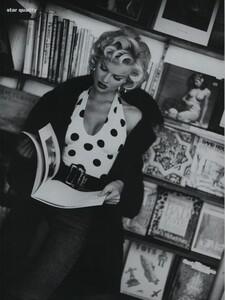 Nicks_US_Vogue_October_1992_03.thumb.jpg.a1c2f4b20f4764ff3cb8ea5fea7bab26.jpg