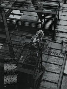 Nicks_US_Vogue_October_1992_05.thumb.jpg.ffae42a321ed2394ed44b36c20348bd4.jpg