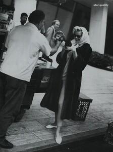 Nicks_US_Vogue_October_1992_06.thumb.jpg.49ec29fe020f015115136c396a9072dd.jpg