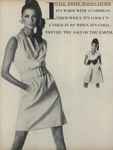 Penn_US_Vogue_April_1st_1967_05.thumb.jpg.79e5cfc9c91f2ab8e5e5eb7d1aaacb8f.jpg