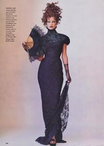 Penn_US_Vogue_December_1997_07.thumb.jpg.a74a7040fdf49f5fba13815c864c92f1.jpg