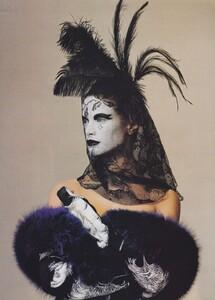 Penn_US_Vogue_December_1997_08.thumb.jpg.a25f0485a66cf5f9b6c2715ef29c0bfb.jpg