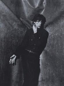 Rock_Penn_US_Vogue_December_1999_02.thumb.jpg.167d852c37b1b67f7afe072c1528572f.jpg