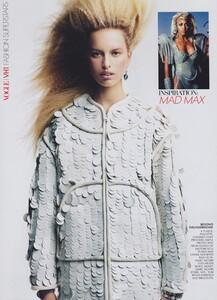 VH1_US_Vogue_November_2003_13.thumb.jpg.9037f9ae95de6b5a81fd46fb99fb3231.jpg