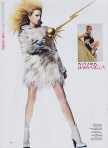 VH1_US_Vogue_November_2003_15.thumb.jpg.e09aed24da27a5bae3fb64fc62451f1d.jpg