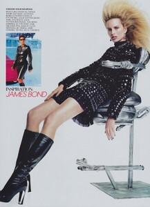 VH1_US_Vogue_November_2003_16.thumb.jpg.12addfb19607de60f200a93d153f5c0b.jpg