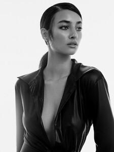 alexei-bazdarev-modefotograf-fashion-editorial-duesseldorf-model-tara-loftstudio-151.thumb.jpg.c6191f0e3074888e5f81e7bcd359b9fe.jpg