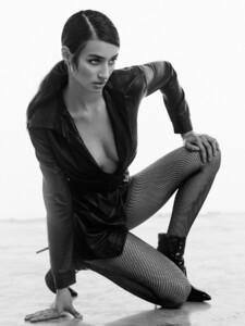 alexei-bazdarev-modefotograf-fashion-editorial-duesseldorf-model-tara-loftstudio-152.thumb.jpg.8b67a44ebb79d152426c0ea542bfbb5d.jpg