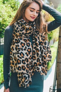 leopard-print-scarf-leto-collection-523_2048x.jpg