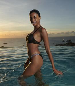 victorias-secret-swim-2021-shine-strap-fabulous-push-up-top-brazilian-bottom-bikini-hi-res.jpg