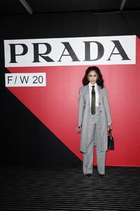 Saweetie+Prada+Fall+Winter+2020+2021+Womenswear+J6pXN9eEP6Ax.jpg