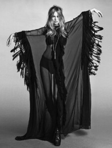 Kate+Moss+Luigi+Iango+Vogue+Hong+Kong+March+2021+(21).jpg