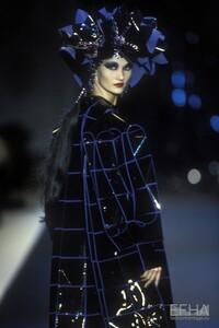 2048212_europeana_fashion_paco_rabanne_caw96_0025.jpeg