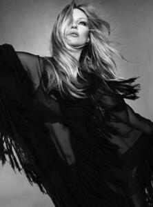 Kate+Moss+Luigi+Iango+Vogue+Hong+Kong+March+2021+(23).jpg