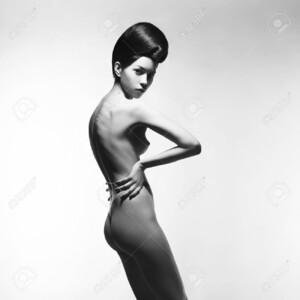 80076288-black-and-white-art-fashion-studio-photo-of-nude-elegant-woman-on-white-background-perfect-body-beau.thumb.jpg.bc6fdd850ed95b8a7b2c34b6a7ff44f4.jpg
