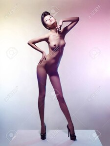 80165953-art-fashion-studio-photo-of-nude-elegant-woman-on-a-colored-pastel-background-perfect-body-beauty-an.thumb.jpg.0b7e71ff79f71cb86c74d8253b03525c.jpg