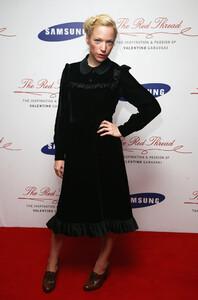 Natalie+Press+Samsung+Red+Thread+Inspiration+8Ypc5m67qrUx.jpg