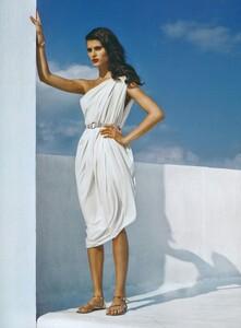 Demarchelier_US_Vogue_May_2008_03.thumb.jpg.e6a7870f7c567de30e927b5113a02d64.jpg