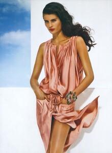 Demarchelier_US_Vogue_May_2008_05.thumb.jpg.bb5c821a7cbff5156d4b76b2aff96eb6.jpg