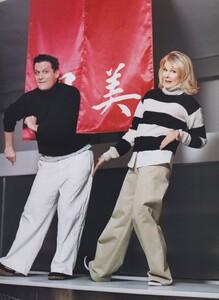 Elgort_US_Vogue_March_2003_02.thumb.jpg.166f6cbd37cf42768d06ee9c630294ad.jpg