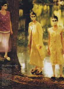 Fashion_Leibovitz_US_Vogue_September_1997_05.thumb.jpg.a10024422033d14c2786c0fcf486b493.jpg