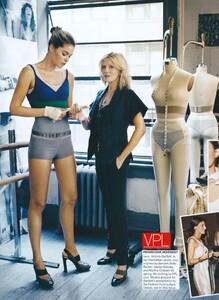 Jean_Roy_US_Vogue_November_2007_03.thumb.jpg.6ec375e0eaf4e7490528515c2e2dddc9.jpg