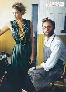 Jean_Roy_US_Vogue_November_2007_16.thumb.jpg.1ae8182a417899d42849c8f124ccccf7.jpg