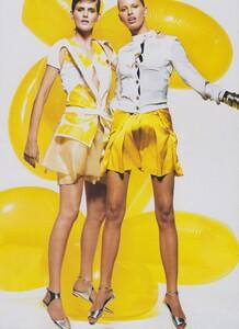 McDean_US_Vogue_March_2003_04.thumb.jpg.abd6dc352970258a3f8e32346941ee8f.jpg