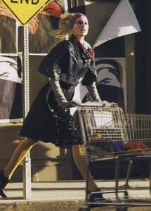 Protect_Meisel_US_Vogue_October_2006_01.thumb.jpg.705600cb0c526ab514bcccfefdc7f8ac.jpg
