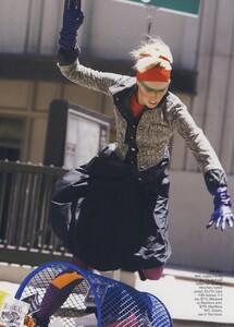 Protect_Meisel_US_Vogue_October_2006_10.thumb.jpg.f1f25ec3999b791a0a86cac9b09f8dcb.jpg