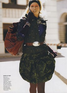 Protect_Meisel_US_Vogue_October_2006_11.thumb.jpg.ef8e3f547c3a47249f36ac61c5a6846e.jpg