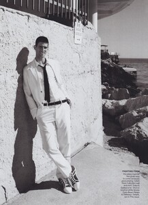 Roy_US_Vogue_June_2011_03.thumb.jpg.0a66802d07dde2549bf8fa7180c8eed2.jpg