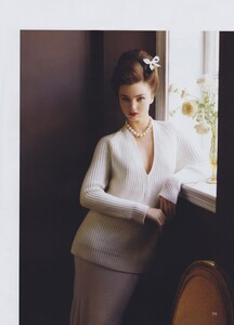 Tender_Meisel_US_Vogue_September_2010_06.thumb.jpg.a510d3f7ca4eda57d372aa6b27864432.jpg