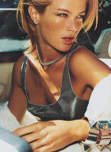 Testino_US_Vogue_September_1999_06.thumb.jpg.16af541c9875c43f309390440e6afc8e.jpg