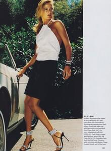 Testino_US_Vogue_September_1999_10.thumb.jpg.0130862bce77d637f9c02020f323955c.jpg