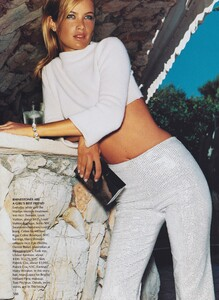 Testino_US_Vogue_September_1999_13.thumb.jpg.9b0390bcbb467bcf1b6f3ebb07c3fdae.jpg