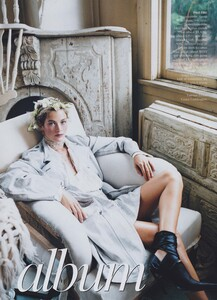 White_Meisel_US_Vogue_March_2002_02.thumb.jpg.6a56a24a1d2717dd40eaddd0b6a05d29.jpg