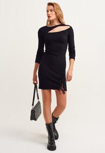 cut-out-mini-elbise_black-siyah_1_enbuyuk.jpg
