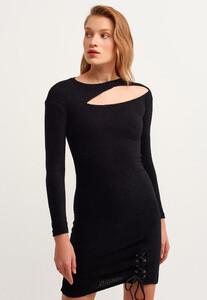 cut-out-mini-elbise_black-siyah_3_enbuyuk.jpg