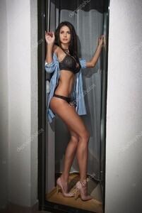 depositphotos_79578686-stock-photo-beautiful-sexy-brunette-young-woman.thumb.jpg.eef3c02c73f25c7f01261e9993124737.jpg