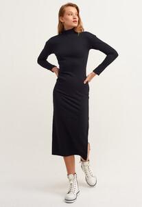 fermuar-detayli-yirtmacli-midi-elbise_black-comb-siyah_1_enbuyuk.jpg