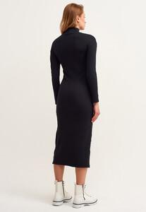 fermuar-detayli-yirtmacli-midi-elbise_black-comb-siyah_3_enbuyuk.jpg