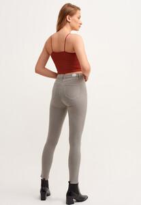 toparlayici-etkili-skinny-pantolon---tencel-_antik-thinker-gri_3_enbuyuk.jpg