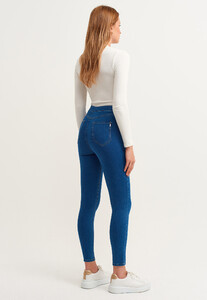 ultra-yuksek-bel-denim-pantolon_blue-denim-mavi_4_enbuyuk.jpg