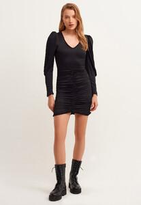 v-neck-buzgulu-mini-elbise_black-siyah_5_enbuyuk.jpg