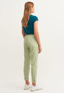 yumusak-dokulu-baggy-pantolon--tencel-_antik-tilia-yesil_4_enbuyuk.jpg