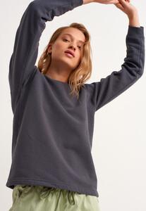 zero-neck-crop-sweatshirt_dublin-antrasit_3_enbuyuk.jpg