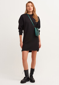 zero-neck-mini-sweat-elbise_black-siyah_1_enbuyuk.jpg